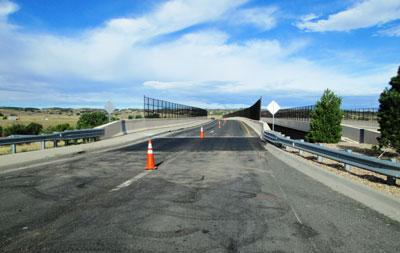 castle-rock-bridge-end-slab-lift